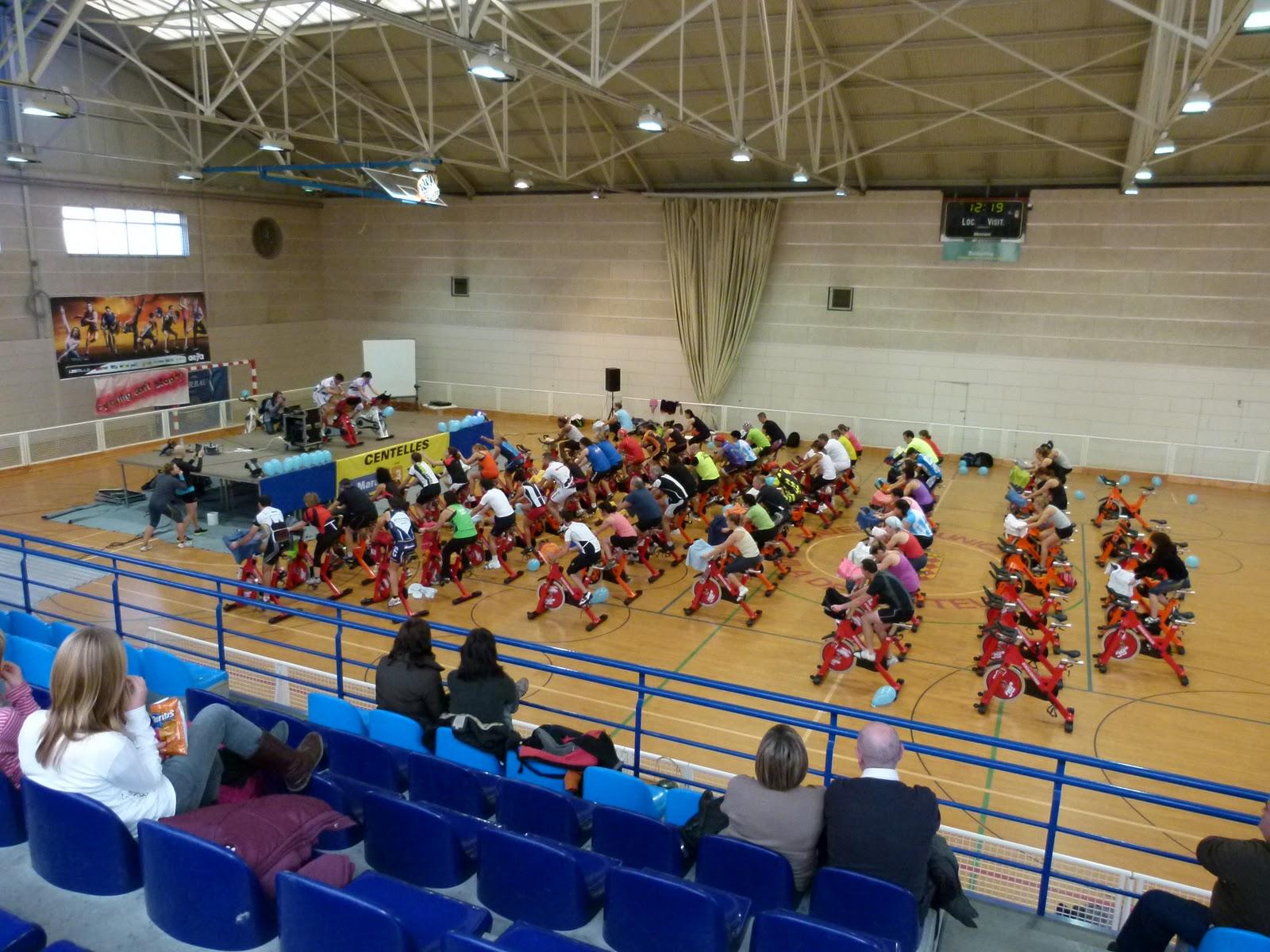 Osona rutes marato de centelles piscina municipal for Piscina municipal centelles