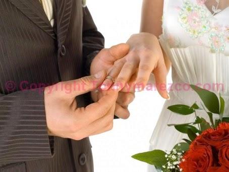 Resepsi pernikahan sederhana