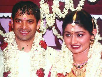 Latest Film News Online Actress Photo Gallery Divya Unni