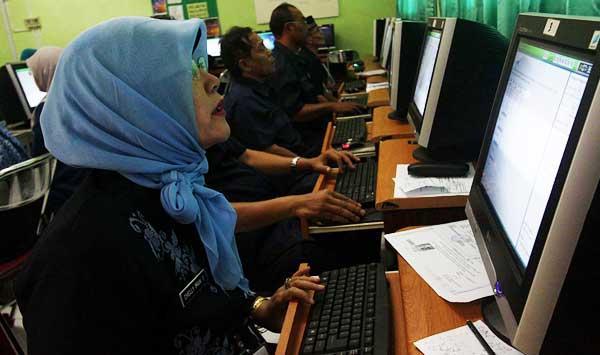 yang belum mengikuti sertifikasi atau Uji Kompetensi Awal (UKA) 2013