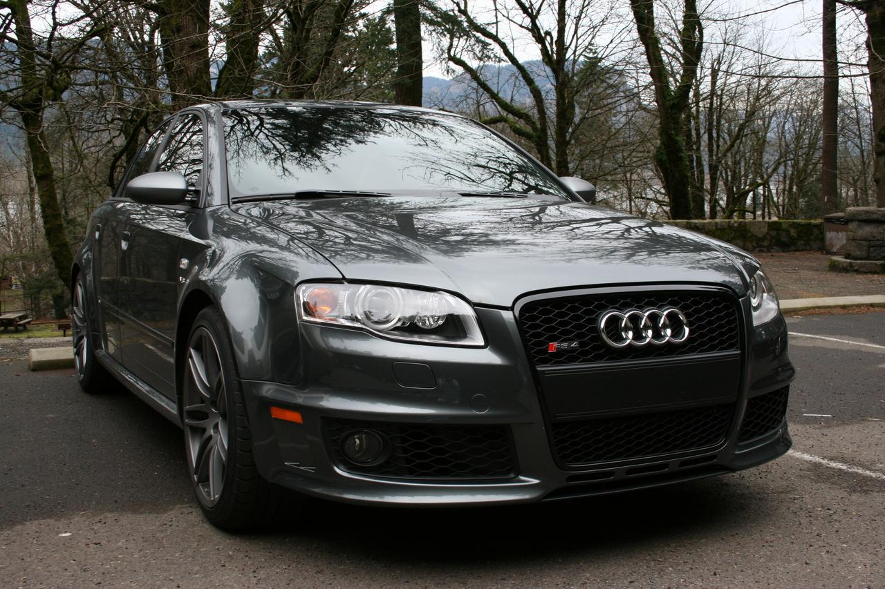 http://2.bp.blogspot.com/-o7aJkrX6CZg/Tn8RyH7bGvI/AAAAAAAAA5I/ca3rinF_eTU/s1600/Boyracers+Blog+Audi+RS4+Quattro+wallpaper.jpg