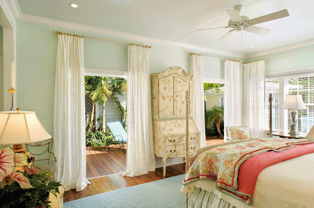 Beach house bathroom decor - Decor Inspiration Classic Key West Cottage Cool Chic Style Fashion