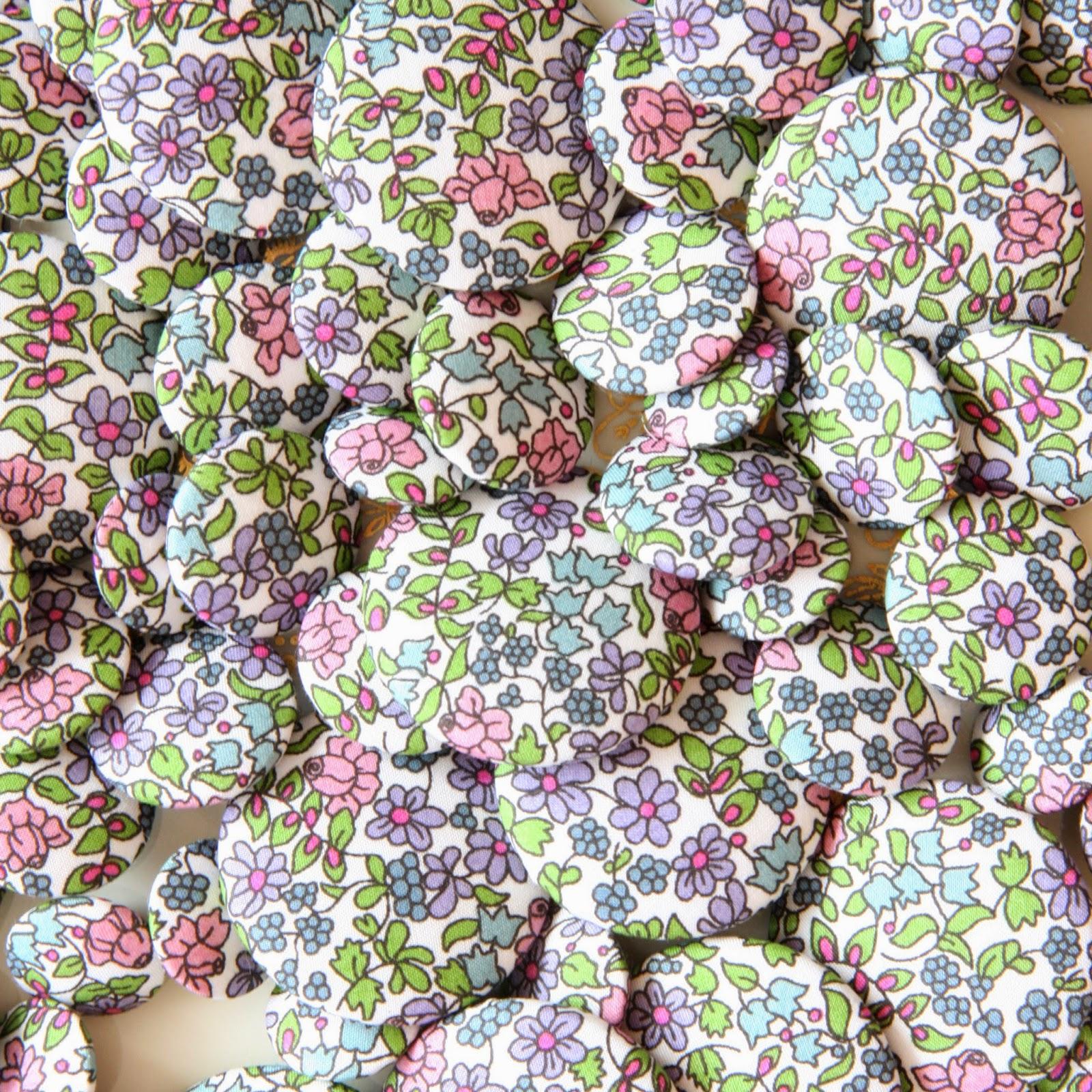 Liberty astor stofknapper - Emilias Flowers - 3 størrelser - Fine pastelfarver