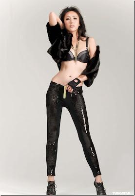 sonia sui black bra ads photoshoot   red carpet