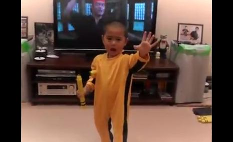 Ce gamin est le nouveau Bruce Lee
