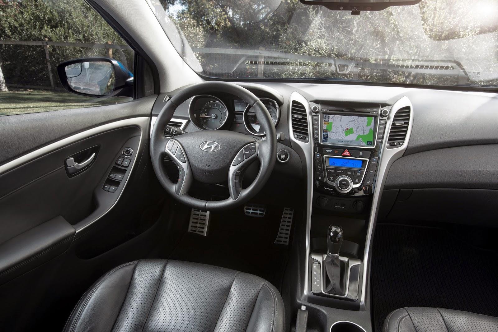Interior view of 2014 Hyundai Elantra GT