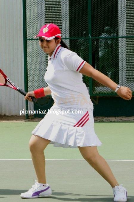 malayalam actress sanusha hot playing tennis
