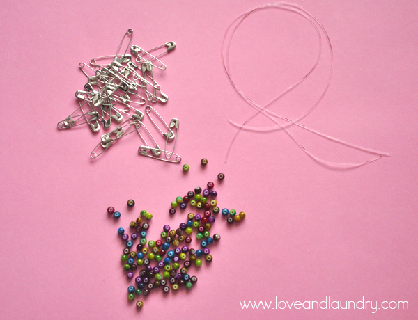safety+pin+and+bead+bracelet+supplies.jpg