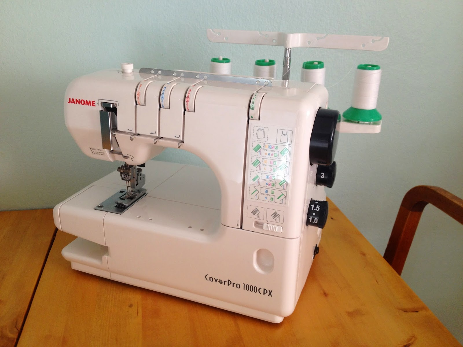 Loopy Modiste`s Atelier: Janome Coverpro 1000 CPX