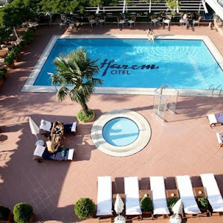 Harem-Hotel-Uskudar-Istanbul-outdoor-pool-photo
