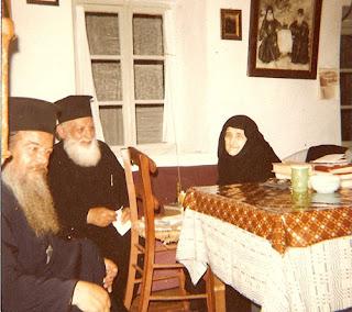 Η Γερόντισσα Ξένη Γαλατσάνου με τον μακαριστό Επίσκοπο Ολύμπου Δημήτριο (Μακρή)