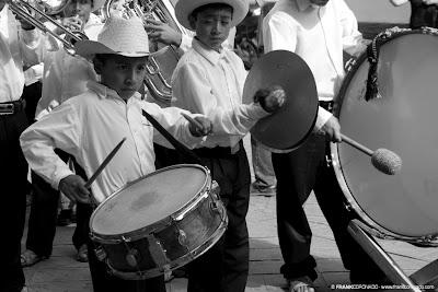 niños músicos en Guelaguetza Oaxaca