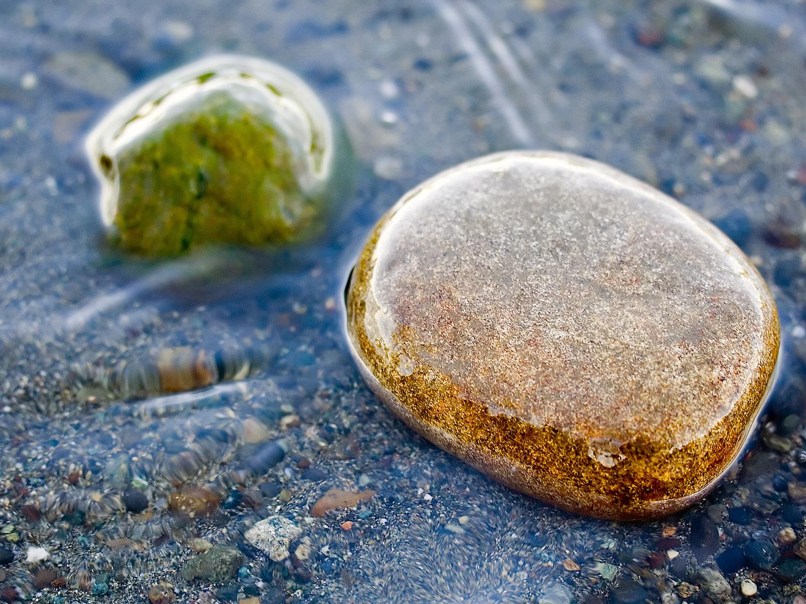 http://2.bp.blogspot.com/-o9UCLpKeDBk/UPLfI7vi7RI/AAAAAAAANG4/6iW7xiRAEk8/s1600/nature_beach_wet_stone_wallpaper-normal.jpg
