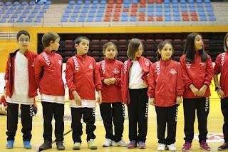 El Club Balonmano Zuazo presenta al centenar de integrantes de sus equipos