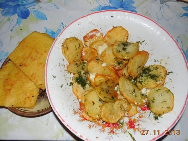 cartofi prajiti rondele, usturoiati