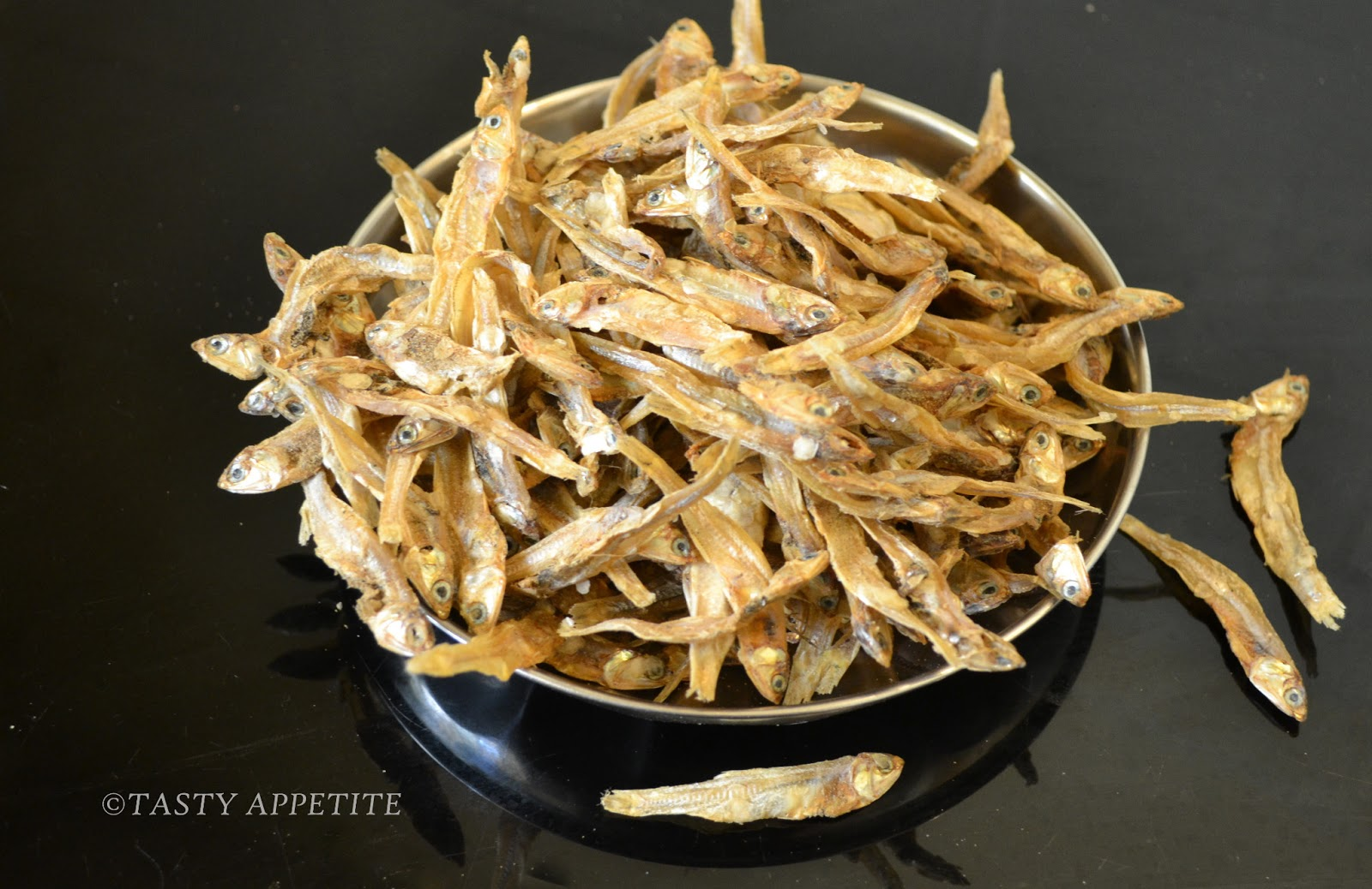 Spicy Fried Anchovies / Nethili Varuval / Spicy Anchovies / Anchovies ...