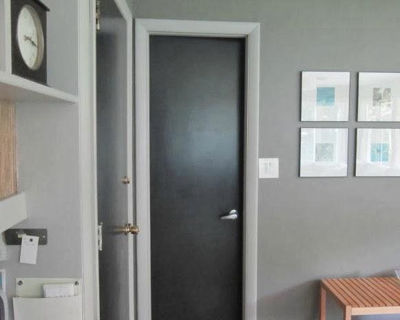 Design megillah good bye black doors for Dark doors light walls
