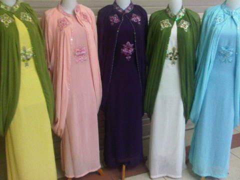 gamis dress busana baju muslim syahrini kaftan Busana Muslimah yang Trendy