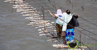 Jembatan Hussaini, Pakistan