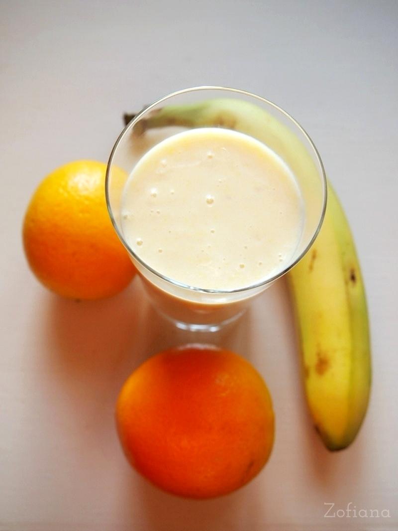 orange - banana ginger smoothie