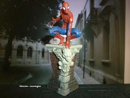 Coleção Marvel Figurine - Brinde