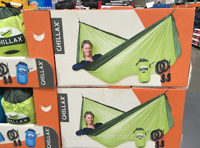 Relax in comfort in the Chillax Double Travel Hammock CCLH20-33