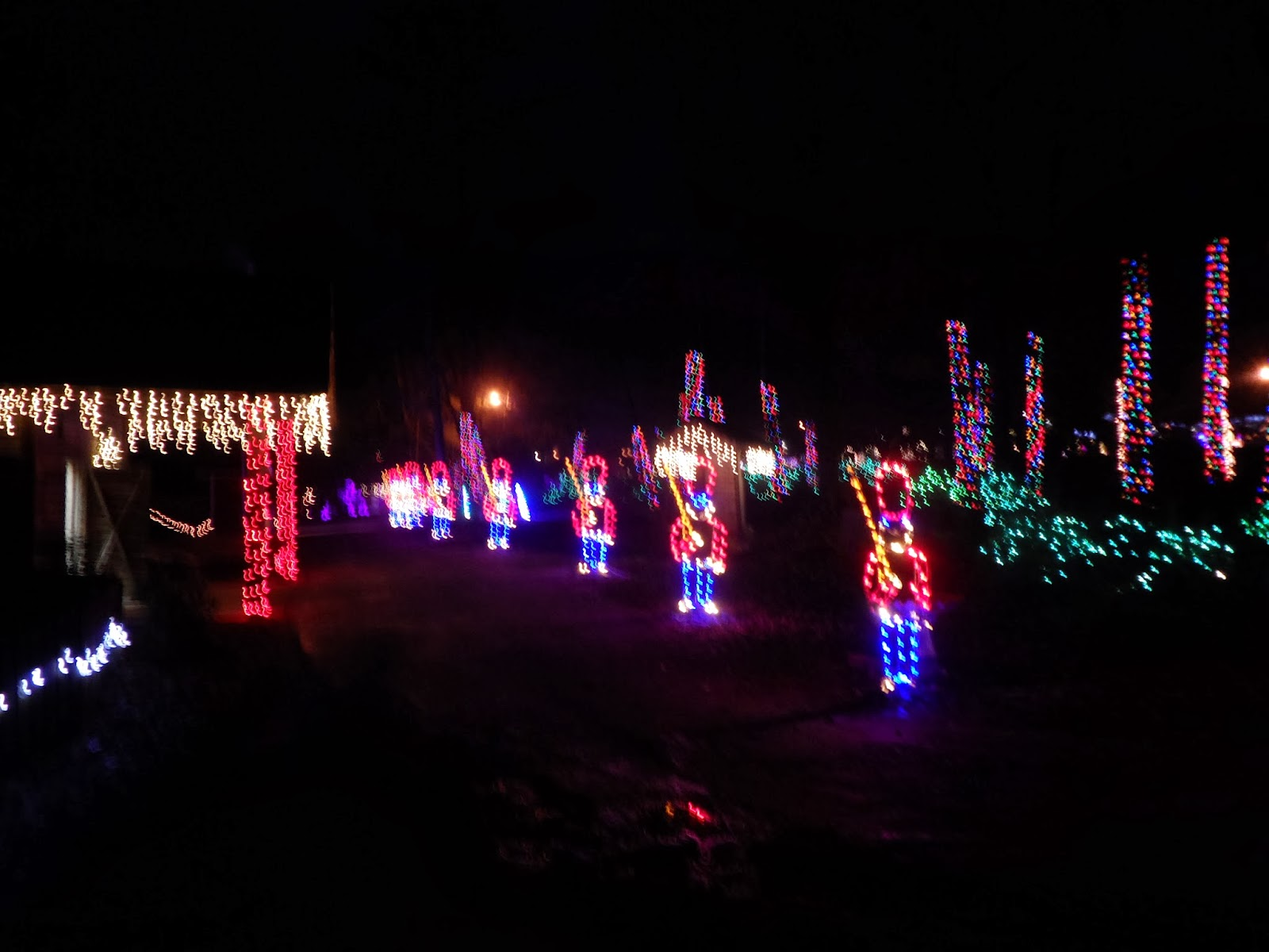 Noccalula Falls Christmas Lights - Start a Family Tradition at ...