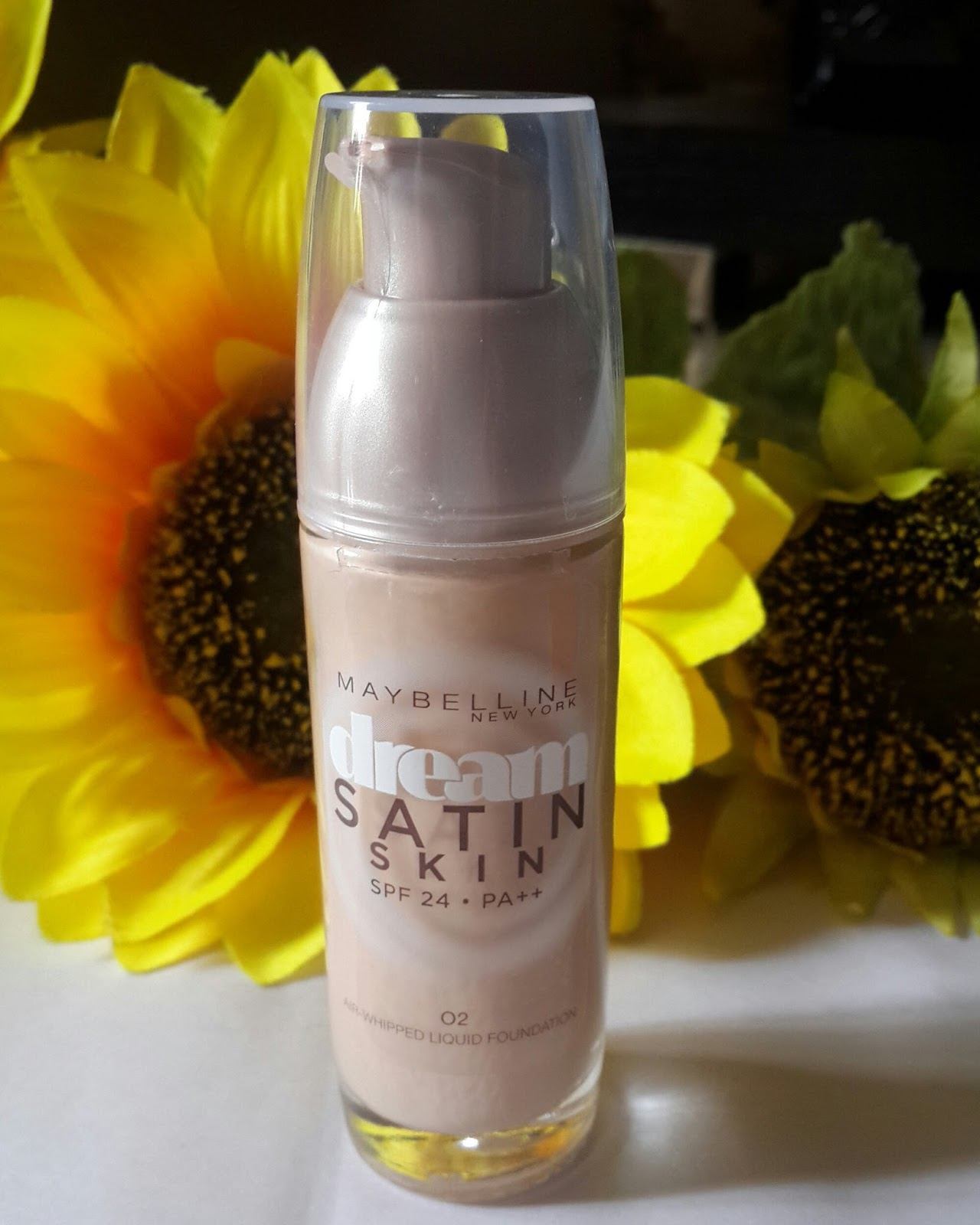 Ridzi Makeup Rebel Bouquet Maybelline Dream Satin Two Way Cake 01 Light New Liquid Foundation Review With Look