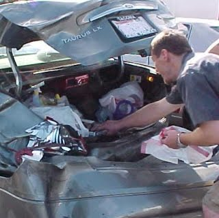 Picture Gallery: Extremely Funny Car Accident (16 Photos): http://pictaregallery.blogspot.com/2012/01/extremely-funny-car-accident-16-photos.html