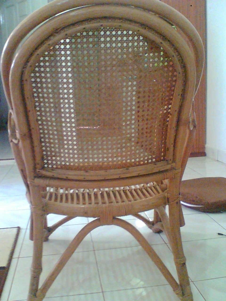 sofa atau kursi rotan dari sumatera