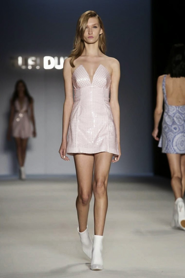 Tufi-Duek, Tufi-Duek-spring-summer, Tufi-Duek-fall-winter, Tufi-Duek-fall-winter-2014, Tufi-Duek-spring-summer-2015, spring-summer-2015-2016, sao-paulo-fashion-week, spfw, Tufi-Duek-ready-to-wear, Tufi-Duek-isabeli-fontana, isabeli-fontana, robes-soirée, robes-cocktail, forum-tufi-duek, bresil-fashion-week, brasil-fashion, du-dessin-aux-podiums, dudessinauxpodiums, vetement-sport, robe-pas-cher, robes-girly, robes-pas-cher, mode-à-petits-prix, fashion, mode, blog-mode, dresses-online, plus-size-dresses, ladies-dresses, womenswear, designer-dresses, site-vetement-femme, robes-sexy, sexy-clothes, robe-guess, robe-classe