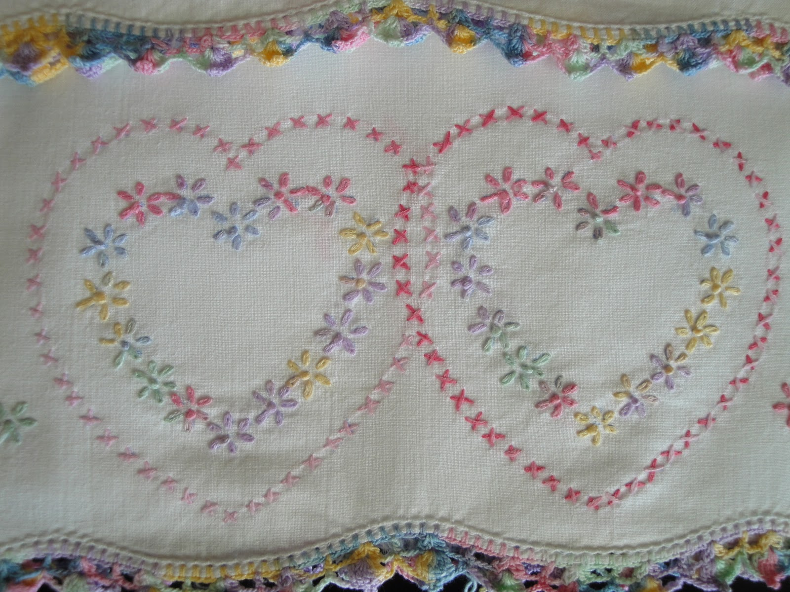 Vintage Linen Treasures Valentine Hearts Embroidered Love