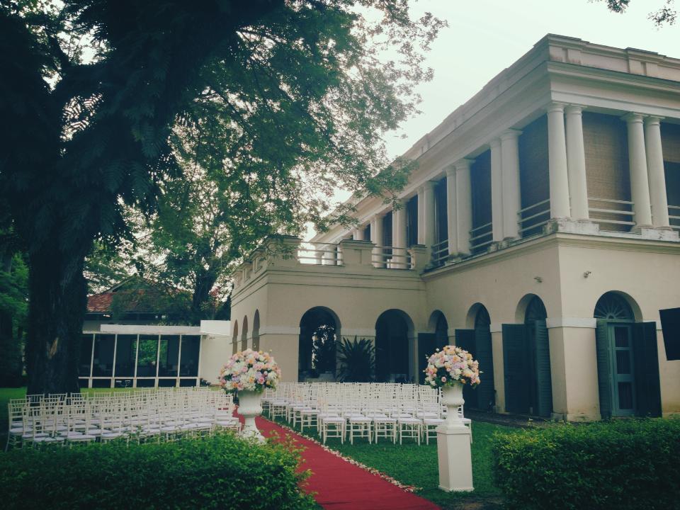 garden wedding Suffolk House Penang romantic