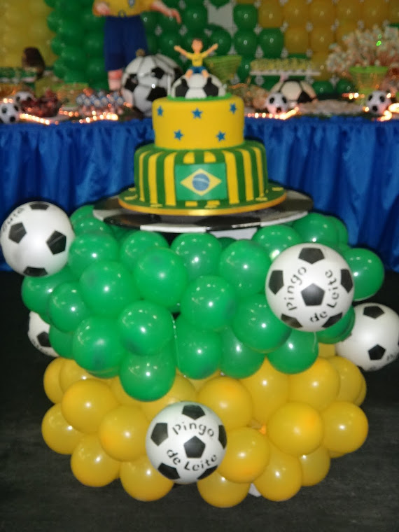 Futebol,mesa de bolo!