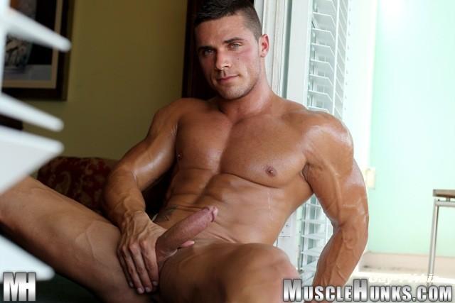 Голый мускулистый парень фото 611-518