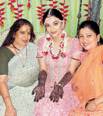 HENNA DESIGNS Aishwarya Rai Wedding Henna Pictures