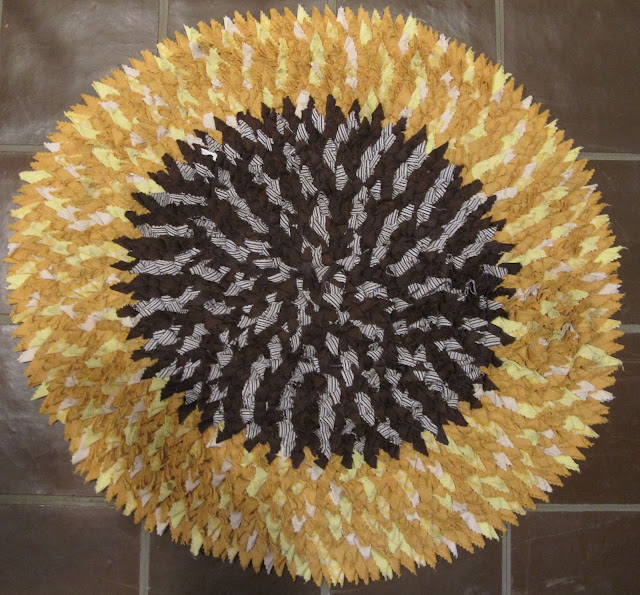 Deb Rowden's Thrift Shop Quilts: Sunflower Rug