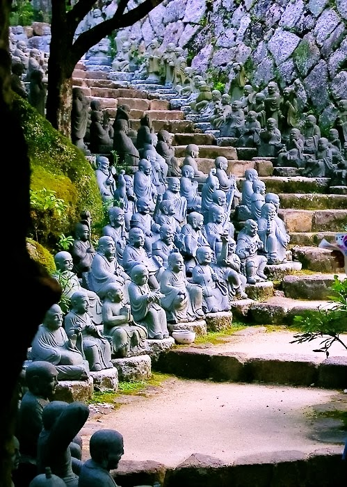 Statue Stairs  Kyoto  Japan