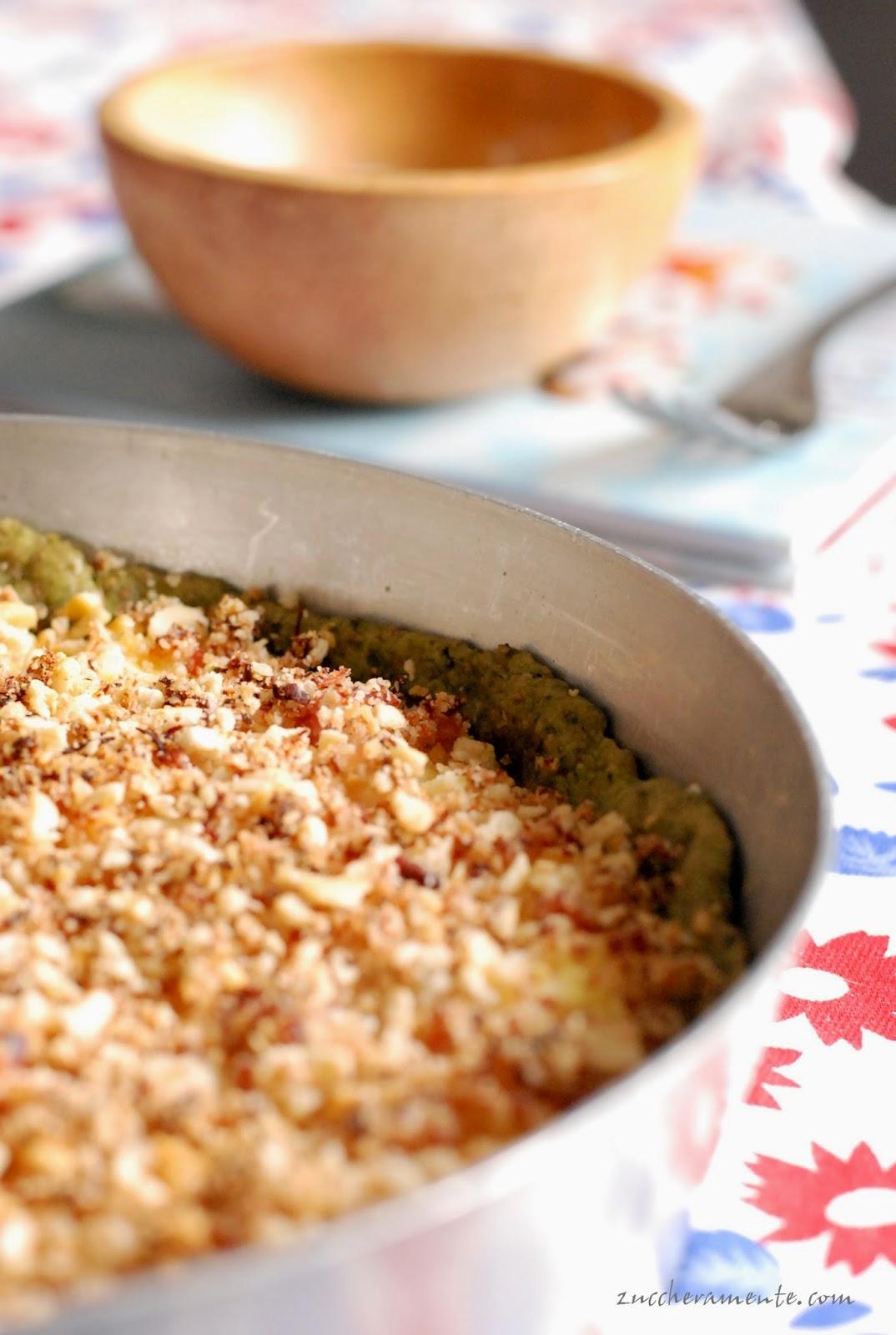 torta salata con crumble al sapore di pancetta