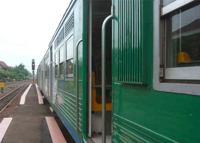 kereta api arek surokerto