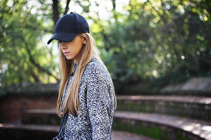 casual weekend wear, sporty look, cap, fluffy sweater