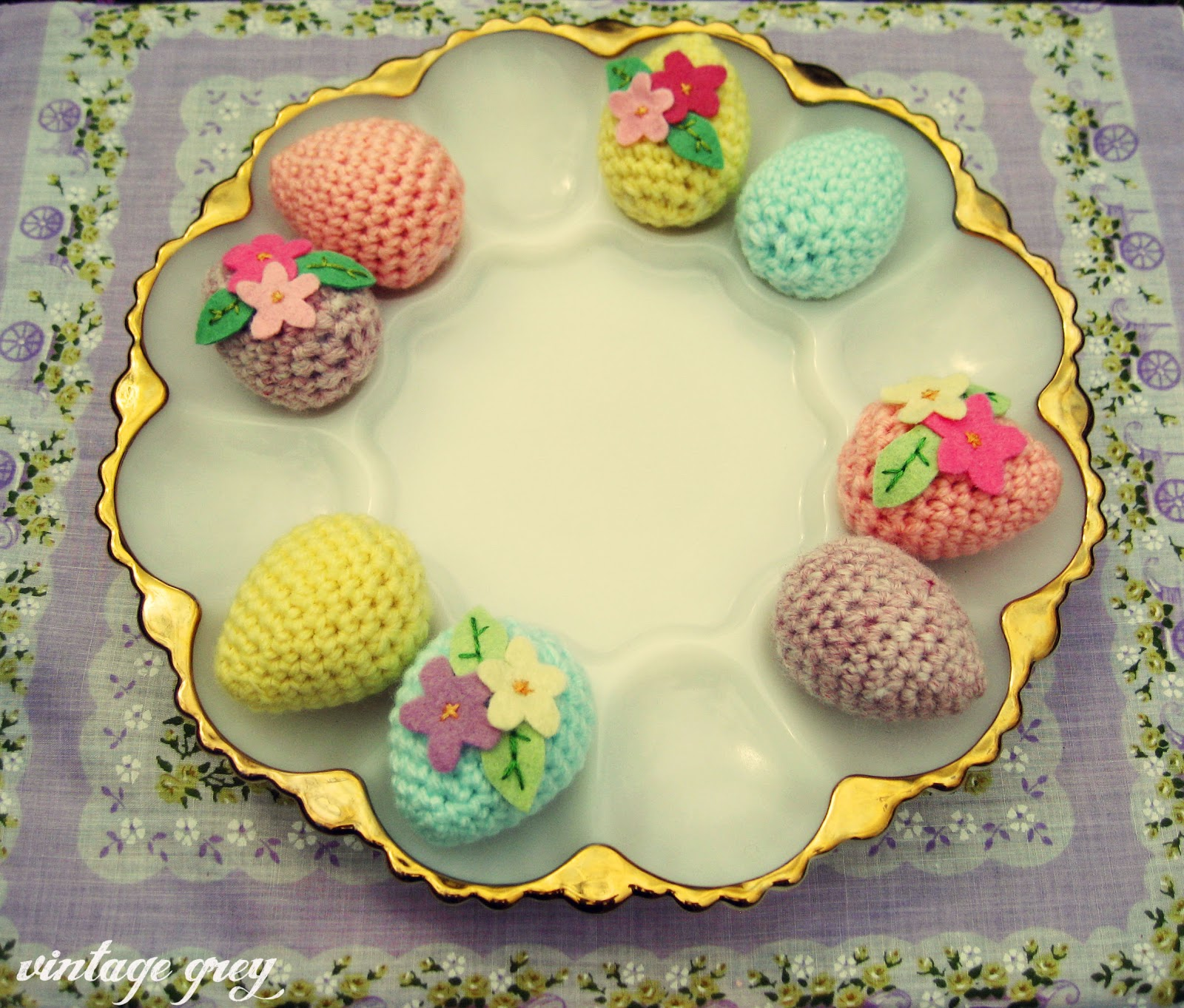 vintage grey: crocheted easter eggs