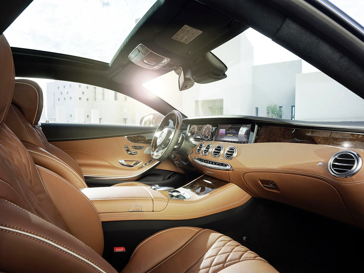 Mercedes-Benz S-Class Coupé interior