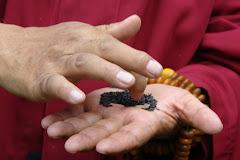 Preparação da oferenda a Budha Vajradaka