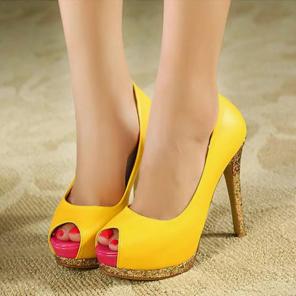 Yellow Heels Online
