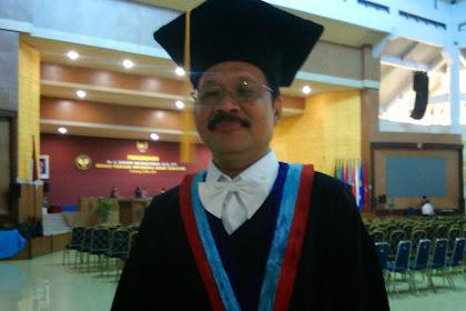 Saratri Dikukuhkan Sebagai Guru Besar