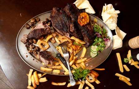 مطعم 4 كيلوغرام لحمة.
