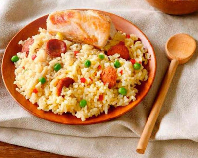 Spanish-style chicken rice