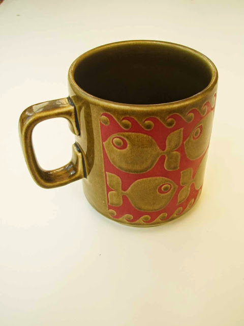 vintage Hornsea Pottery school of fish ceramic mug