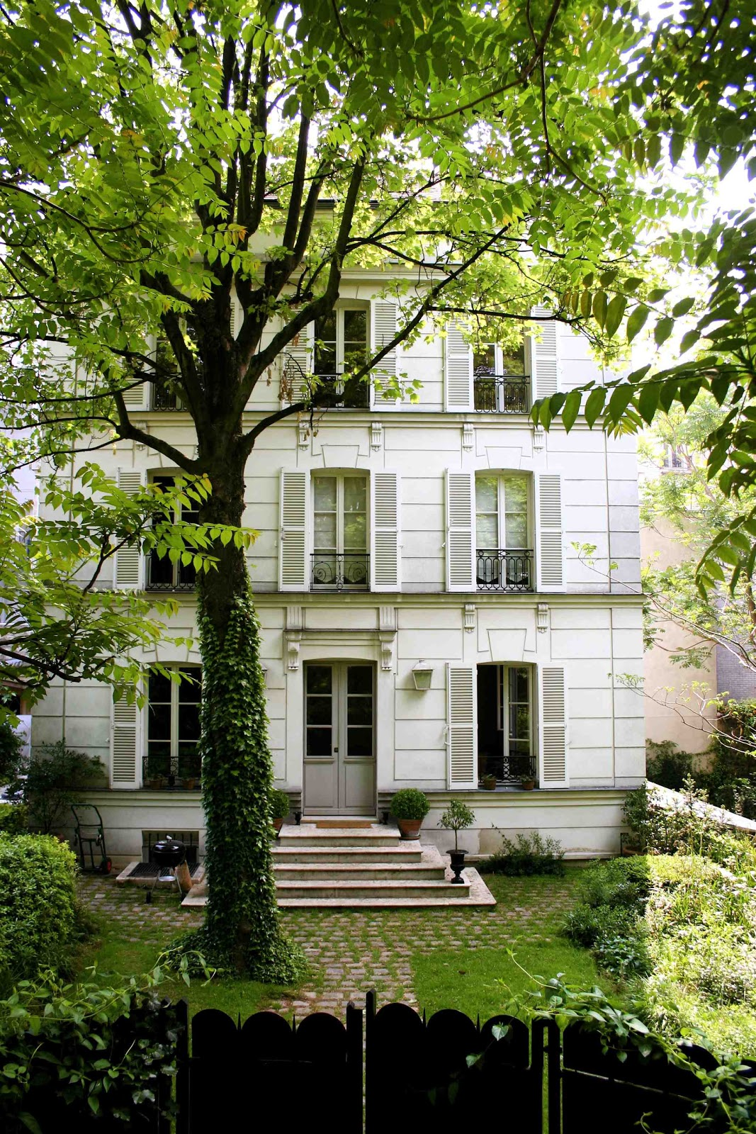 What 39 s up trouvaillesdujour a weekend in montmartre at for Hotel jardins paris